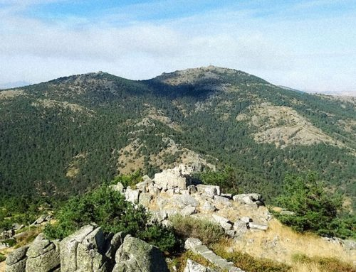 Ruta de senderismo a Cueva Valiente en la Sierra de Guadarrama